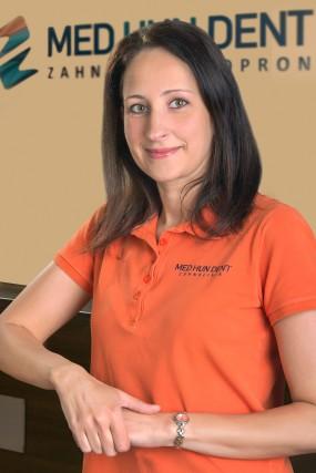 dr. Barbara Bóka - Fachärztin für Paradontologie