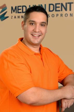 dr. Dániel Somogyi - Facharzt für Zahn