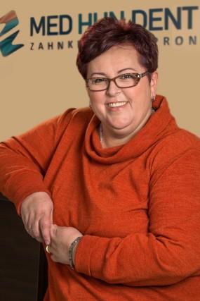 Anästhesistin dr. Melinda Toth - Med-Hun-Dent